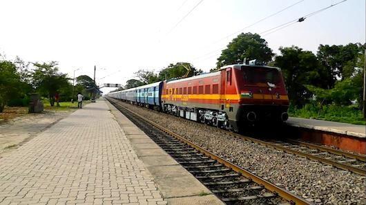 खजुराहो के लिए नई ट्रेन, जनवरी के पहले सप्ताह से चलेगी गीता जयंती एक्सप्रेस