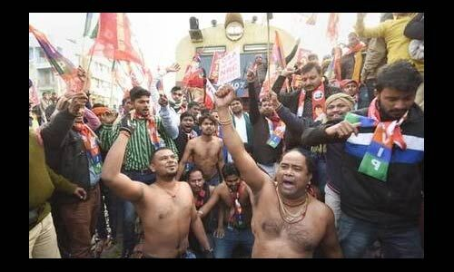 बंगाल में CAA-NRC के विरोध प्रदर्शनों के दौरान रेलवे को हुआ 84 करोड़ का नुकसान