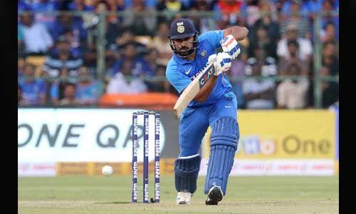 14,000 अंतरराष्ट्रीय रन बनाने वाले आठवें भारतीय बने रोहित शर्मा