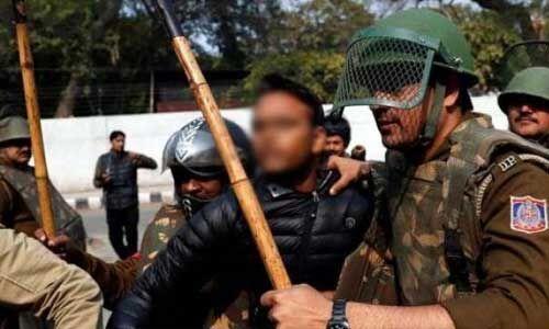 जामिया प्रदर्शनकारियों पर गोली चलाने से पहले हमलावर ने किया FB LIVE, लिखा- खेल खत्म