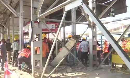 भोपाल रेलवे स्टेशन पर फुटओवर ब्रिज गिरा, महिला सहित 9 लोग घायल