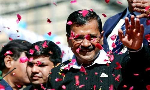 रामलीला मैदान में शपथ लेने वाले दिल्ली के एकमात्र मुख्यमंत्री बने केजरीवाल