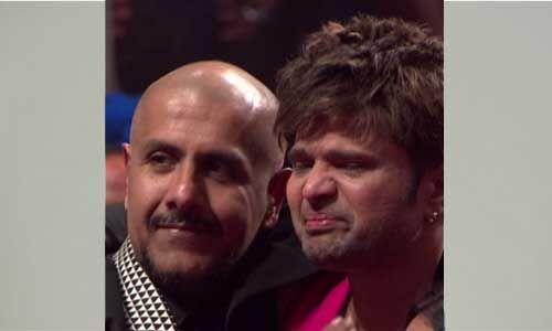 Indian Idol के शो पर हिमेश रेशमिया क्यों रोने लगे फूट-फूटकर, देखें वीडियो