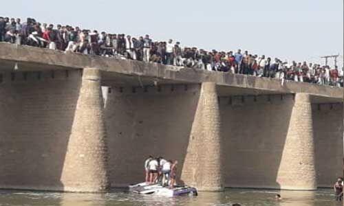 राजस्थान : बूंदी की मेज नदी में बस गिरने से 24 लोगों की मौत, 5 घायल