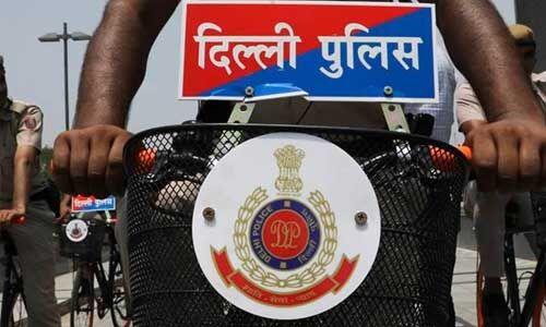 लॉकडाउन का उल्लंघन कर रहे बाप की बेटे ने कर दी दिल्ली पुलिस से शिकायत, FIR दर्ज