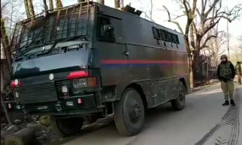 कश्मीर घाटी में आतंकियों के गश्ती दल पर ग्रेनेड हमला, दो जवान सहित 6 लोग घायल
