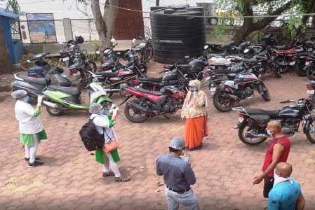 इंदौर : कोरोना योद्धाओं पर एक बार फिर हमला, पत्थर फेंके, मोबाइल तोड़ा