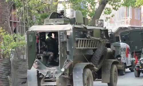 कश्मीर घाटी में सुरक्षाबलों ने 2 आतंकी किए ढेर