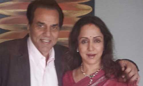 शादी की 40वीं सालगिरह पर हेमा मालिनी ने शेयर की धर्मेंद्र के साथ खूबसूरत तस्वीर