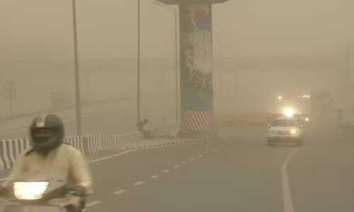 दिल्ली-NCR में दिन में हुआ अंधेरा