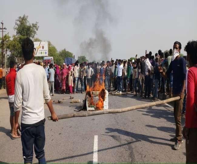 मथुरा: मजदूरों ने आगरा- दिल्ली हाईवे जाम किया