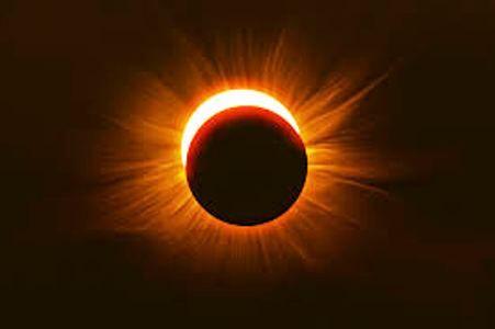 एक महीने में पड़ेंगे तीन ग्रहण, क्या रहेगा असर, जानिए