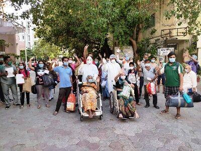 इंदौर में 100 मरीज कोरोना को हरा घर लौटे, 1500 से अधिक हुए स्वस्थ