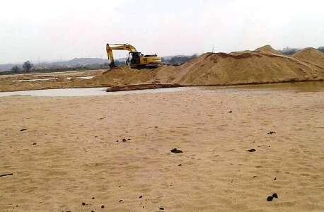 ग्वालियर में रेत माफियाओं पर लगाम कंसने जांच दल गठित