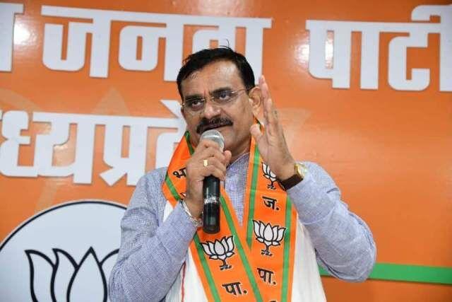 कांग्रेस ने कर्जमाफी का झूठ बोला, भाजपा ने किसानों के खाते में 100 करोड़ जमा किए : शर्मा