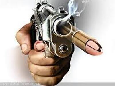 बन्दूक की सफाई के दौरान चली गोली, युवक की मौत