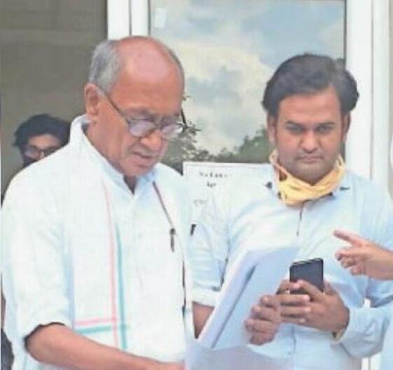 कांग्रेस नेता की रिपोर्ट पॉजिटिव, दिग्विजय, लाखन सिंह से की थी मुलाकात