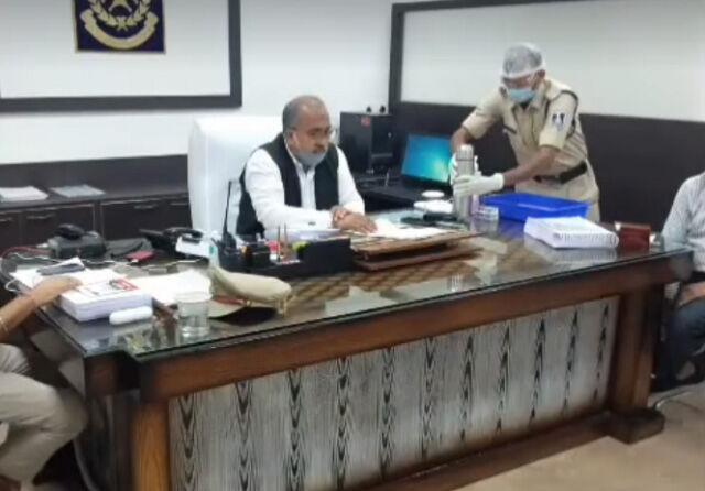 आईजी राजाबाबू सिंह ने अपराधियों को पकड़ने डाटा बैंक बनाने के दिए निर्देश