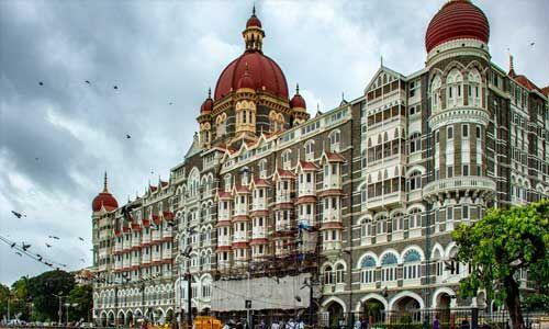 मुंबई में ताज होटल उड़ाने की धमकी, बढ़ाई गई सुरक्षा-व्यवस्था