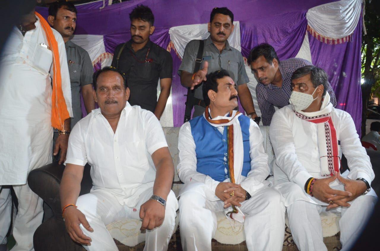 गृहमंत्री ने की रमेश अग्रवाल एवं प्रीतम लोधी से मुलाकात, बोले - सिंधिया समर्थक नहीं भाजपा नेता कहो