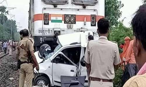 बिहार : पटना में जनशताब्दी से टकराई बोलेरो, 4 लोगों की मौत