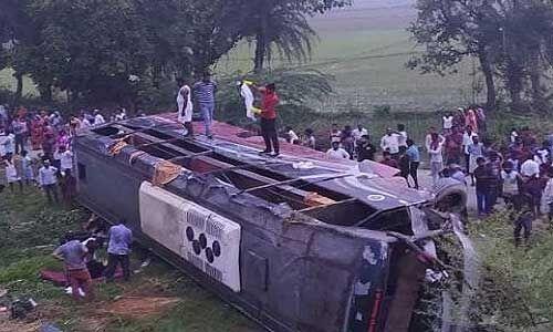 कन्नौज : लखनऊ-आगरा एक्सप्रेस-वे भीषण सड़क हादसे में छह की मौत, 40 घायल