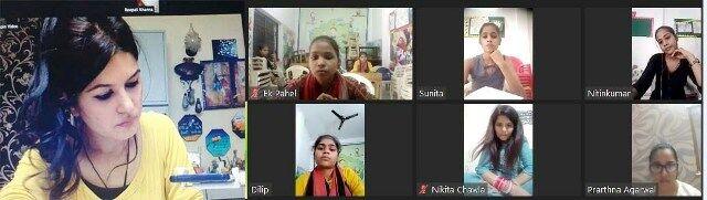 छात्राओं को मिली अक्षर कला की उन्नत तकनीकों की जानकारी