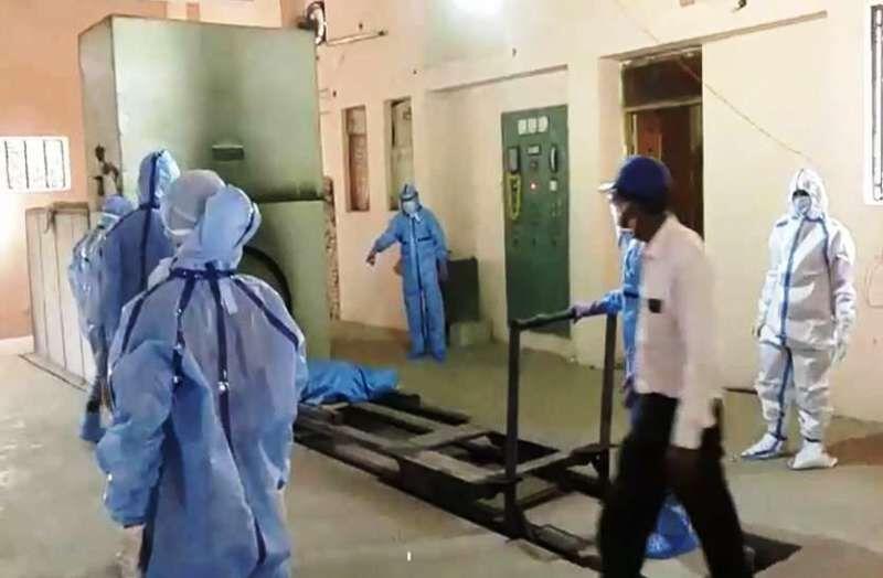 कोरोना से जिंदगी की जंग हारे तीन संक्रमित, कपड़ा व्यवसायी ने दिल्ली में तोड़ा दम