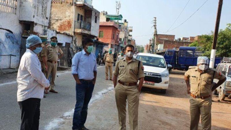 मस्जिदों पर तैनात रहा पुलिस बल