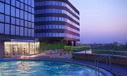 दिल्ली में अब खुल सकेंगे होटल, कंटेनमेंट जोन में जारी रहेगी पाबंदी