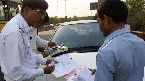 केंद्र सरकार ने 31 दिसंबर तक बढ़ाया फिटनेस, आरसी, ड्राइविंग लाइसेंस जैसे दस्तावेजों का नवीनीकरण