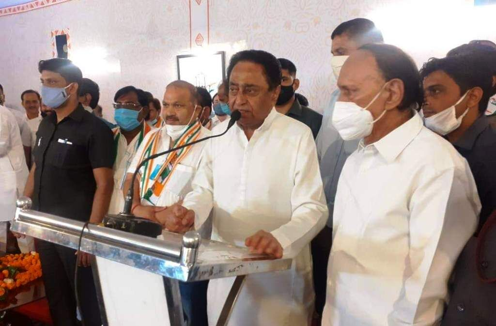 ग्वालियर में भाजपा को बड़ा झटका, दिग्गज नेता सतीश सिकरवार कांग्रेस में शामिल