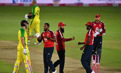 इंग्लैंड को पांच विकेट से हराकर फिर से रैंकिंग में पहले पायदान पर पहुंचा ऑस्ट्रेलिया