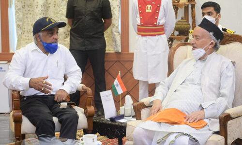 शिवसैनिकों के हमले में घायल रिटायर्ड नेवी ऑफिसर बोले -हां...मैं अब BJP-RSS के साथ हूं