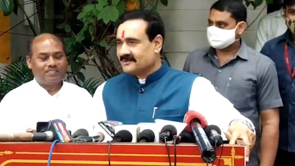 नरोत्तम मिश्रा ने शायराना अंदाज में कांग्रेस पर किया पलटवार