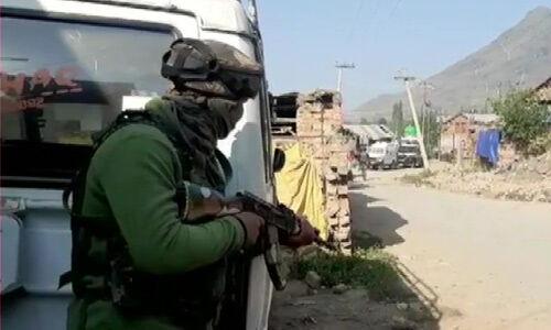 कश्मीर : एलओसी पर पाकिस्तान ने की फायरिंग, जवान शहीद