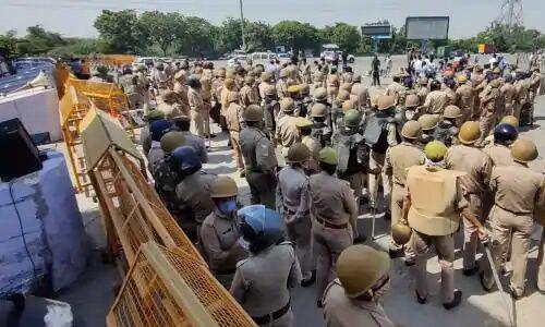 कांग्रेस पूर्व अध्यक्ष राहुल गांधी को हाथरस जाने से रोकने को पुलिस ने की पुख्ता तैयारी