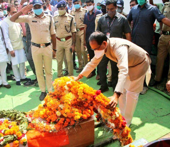 आतंकी हमले में शहीद जवान का पार्थिव शरीर पहुंचा सतना, मुख्यमंत्री ने दी श्रद्धांजलि