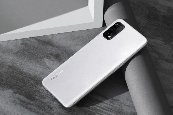 रियलमी के इस स्मार्टफोन का लॉन्च से पहले सामने आया प्रीमियम लुक