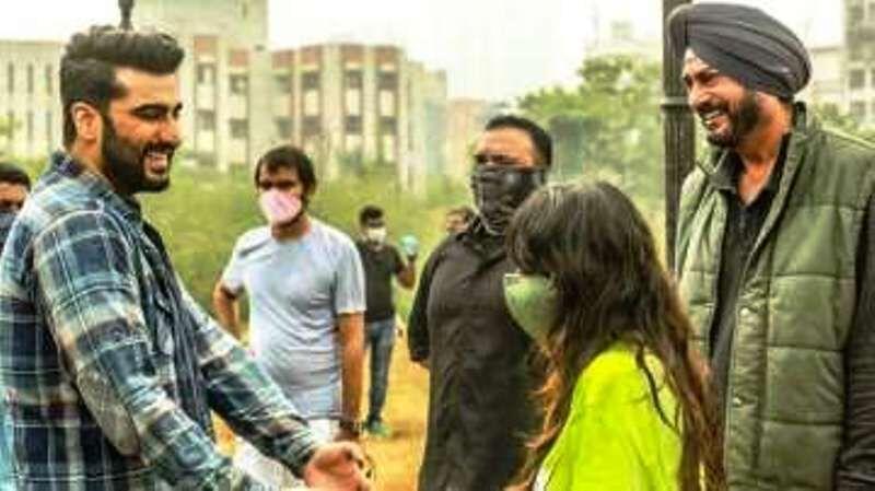 कोरोना को मात देकर अभिनेता अर्जुन कपूर लौटे शूटिंग पर, सोशल मीडिया पर पोस्ट की तस्वीर