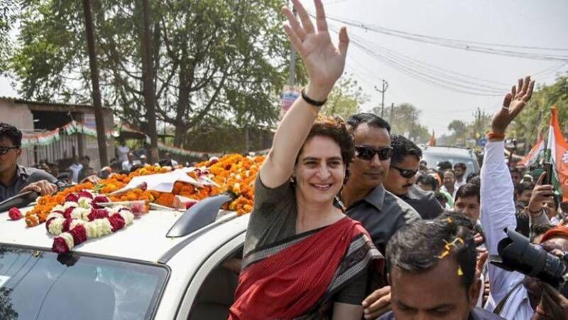 हताश कांग्रेस को अब प्रियंका से ही चमत्कार की उम्मीद?