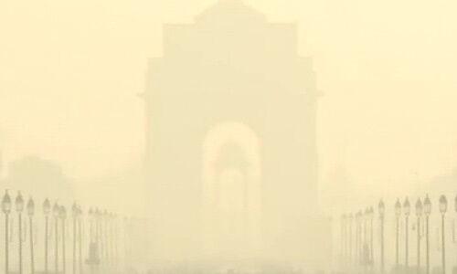 दिल्ली-एनसीआर : आज फिर धुंध की चादर में लिपटी दिखी राजधानी