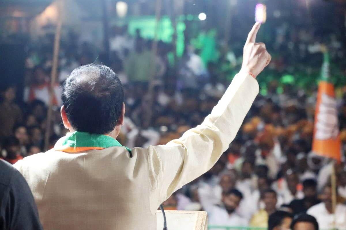 कांग्रेस के नेता केवल वोट मांगने आते हैं, चुनाव जीतने के बाद इनका पता ही नहीं चलता : शिवराज