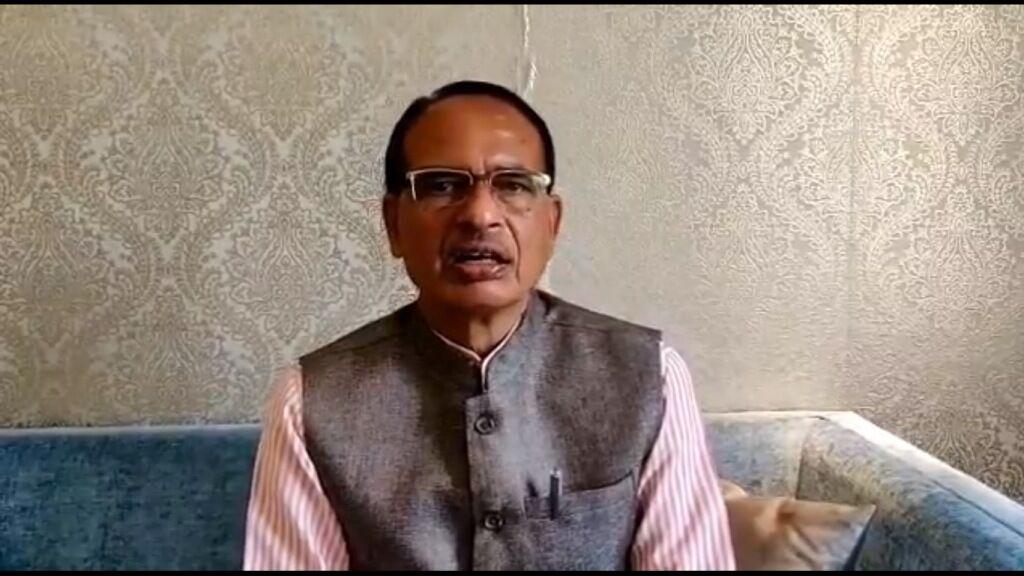 कांग्रेस बना रही ईवीएम के बहाने हार की भूमिका : मुख्यमंत्री