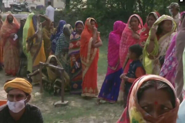 बिहार विधानसभा चुनाव : दूसरे चरण में 94 सीटों पर 54.44% मतदान