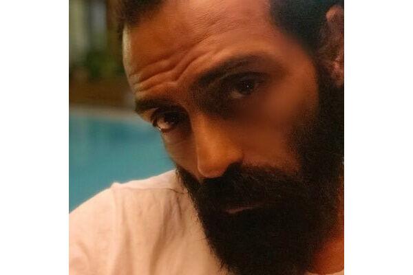 नारकोटिक्स कंट्रोल ब्यूरो ने अभिनेता अर्जुन रामपाल के घर की छापेमारी