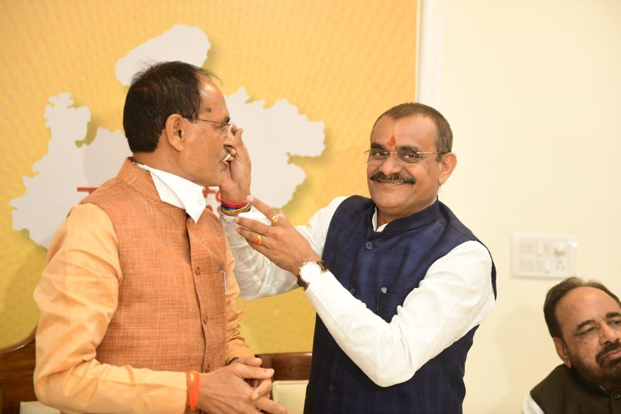 #LIVE: 19 सीटों पर भाजपा, 09 सीटों पर कांग्रेस को मिली जीत, देखें सभी सीटों का परिणाम