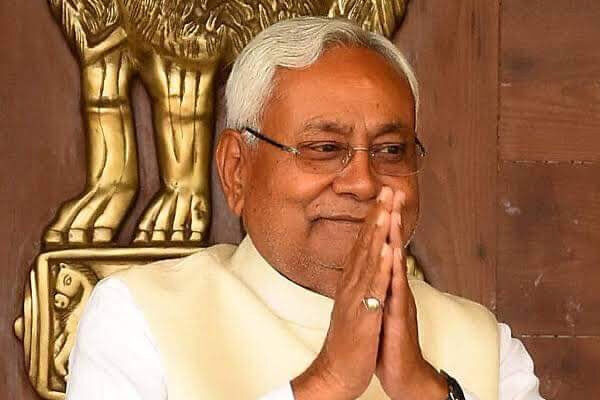 नीतीश कुमार समेत 14 विधायक ले सकते हैं मंत्री पद की शपथ, जानें
