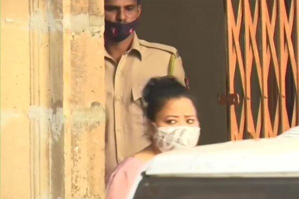 कोर्ट ने ड्रग्स मामले में भारती और उसके पति हर्ष को न्यायिक हिरासत में भेजा