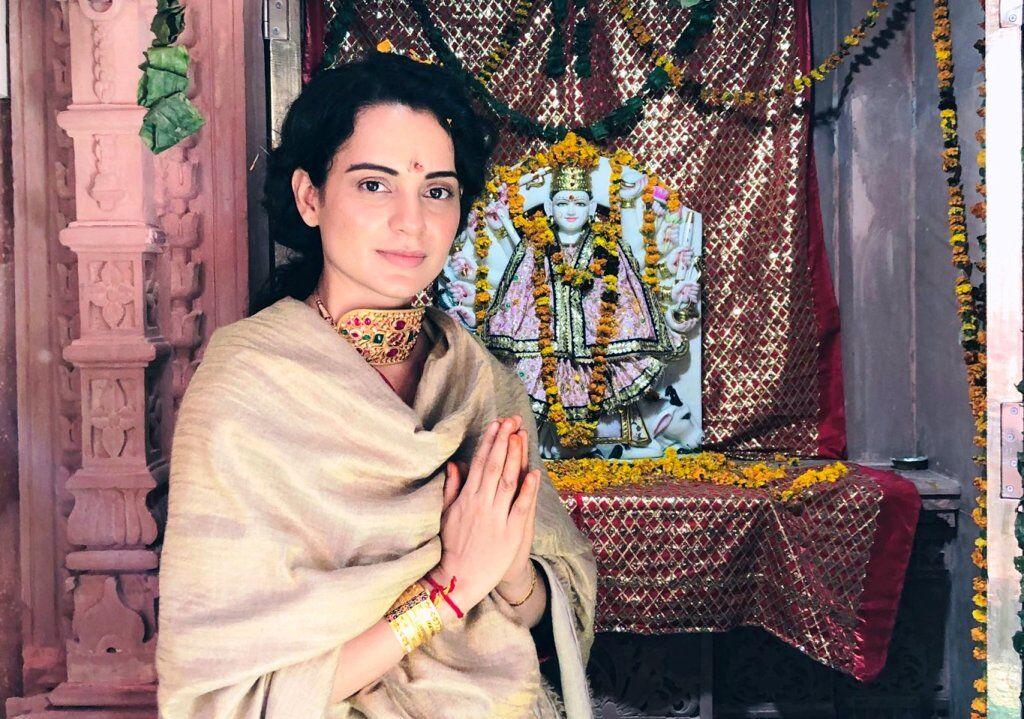 अभिनेत्री कंगना ने जताई माँ दुर्गा का भव्य मंदिर बनवाने की ईच्छा